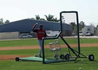Ino Guerrero pitches BP.