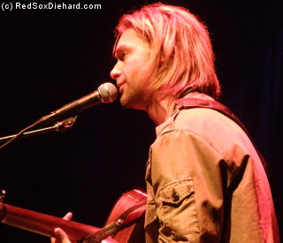 Bronson Arroyo performs at Showcase Live