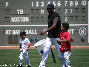 Big Papi with his son D'Angelo and Felix Doubront's son Noah.