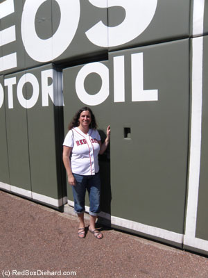We weren't allowed to open the door that leads inside the Green Monster, but there was no reason I couldn't pretend that I had just come through it. I guess that's just Kristen Being Manny!