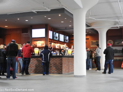 One area that was renovated this year is the concession stands on the lower level behind third base, just inside Gate E. It looks nice, but they changed the concessions to a bar, meaning there's nowhere to get pizza slices on the whole left field side of the plate.